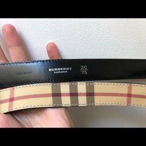 Burberry Accessories - ~BURBERRY~ belt